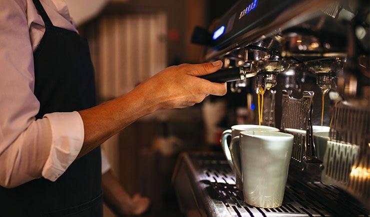 los cafes en los bares