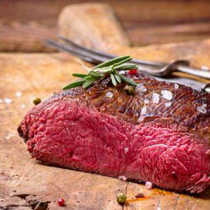 Alimentarse con carne de Monte